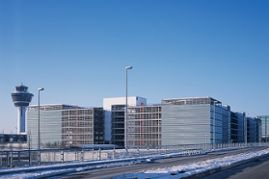 Klebl-Referenz-Parkhaus-Terminal-II-Muenchen-3.jpg
