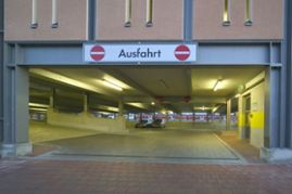 Klebl-Referenz-Parkhaus-am-Bahnhof-Donauwoerth-4.jpg